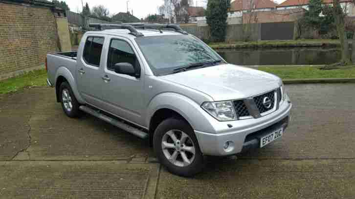 CLEAN NISSAN NAVARA D C AVENTURA DCI SILVER 6 SPEED MANUAL OUTSTANDING TRUCK