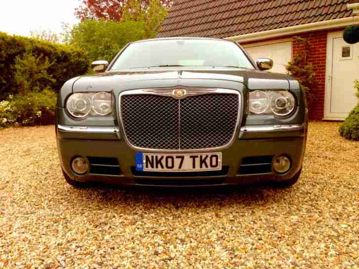 Chrysler 300C 5.7 V8 Hemi auto lux pack sunroof and sat nav