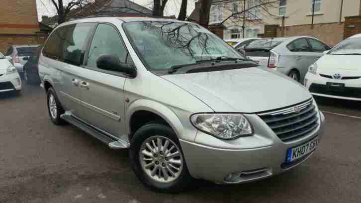 Chrysler Grand Voyager 2.8CRD auto Signature STOW AND GI 1 owner turbo smoky