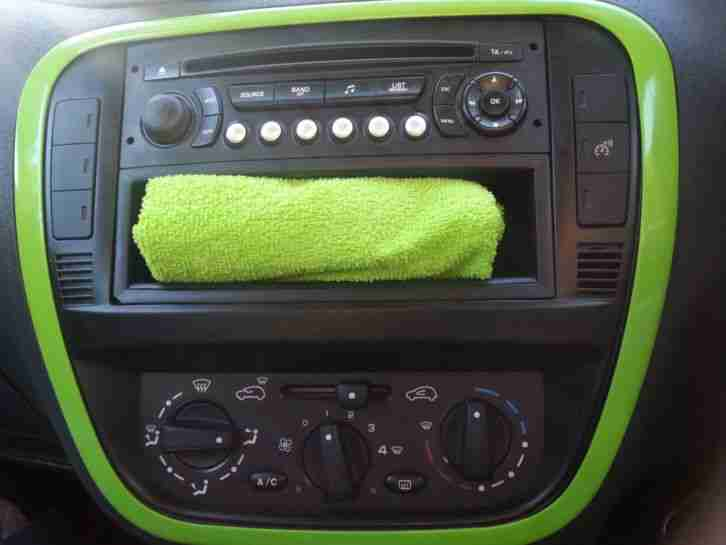 citroen c2 1 1 yellow special edition airplay aircon manual gearbox. Black Bedroom Furniture Sets. Home Design Ideas