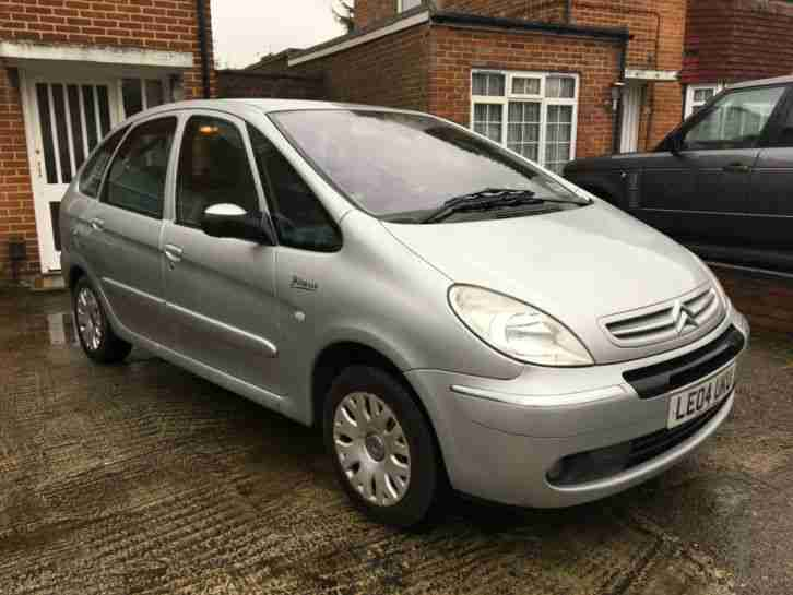 citroen xsara picasso 1 6 i desire 1 lady owner from new with fsh. Black Bedroom Furniture Sets. Home Design Ideas