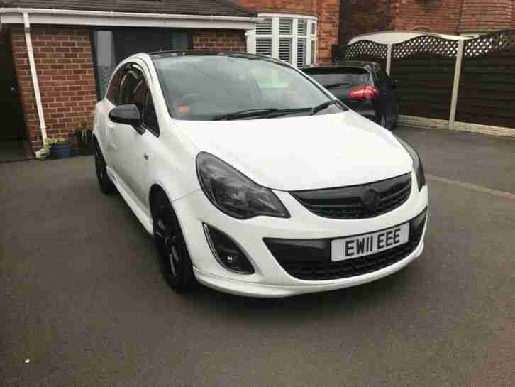 Corsa (Limited Edition in White Black)