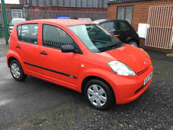 SIRION 1.0 S 2007 BRIGHT RED 5 DOOR