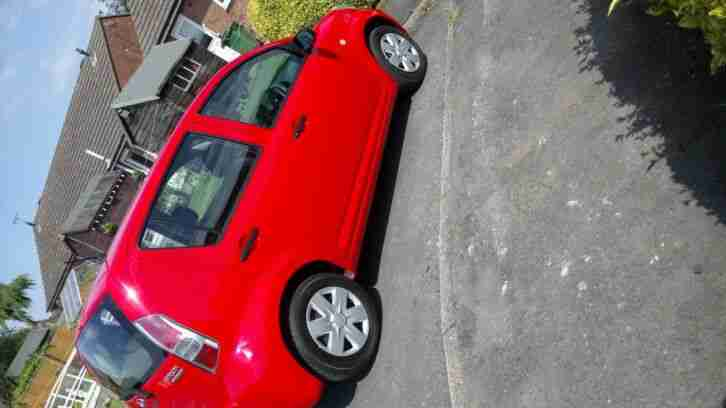 DAIHATSU SIRION 4 DOOR 1LTR PETROL VERY LOW MILEAGE RED FULL MOT +SERVICE