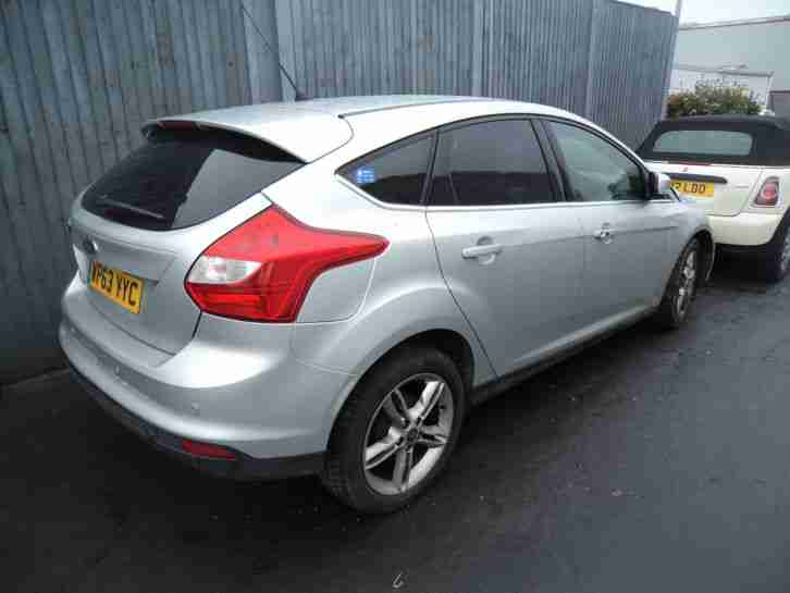 ford damaged salvage 2014 focus titanium x tdci silver car for sale. Black Bedroom Furniture Sets. Home Design Ideas