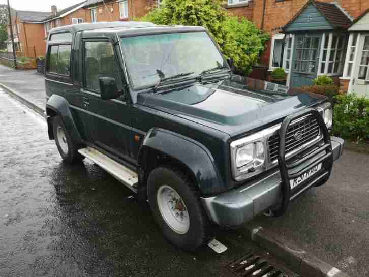 Daihatsu Fourtrak 2.8TD. Daihatsu car from United Kingdom