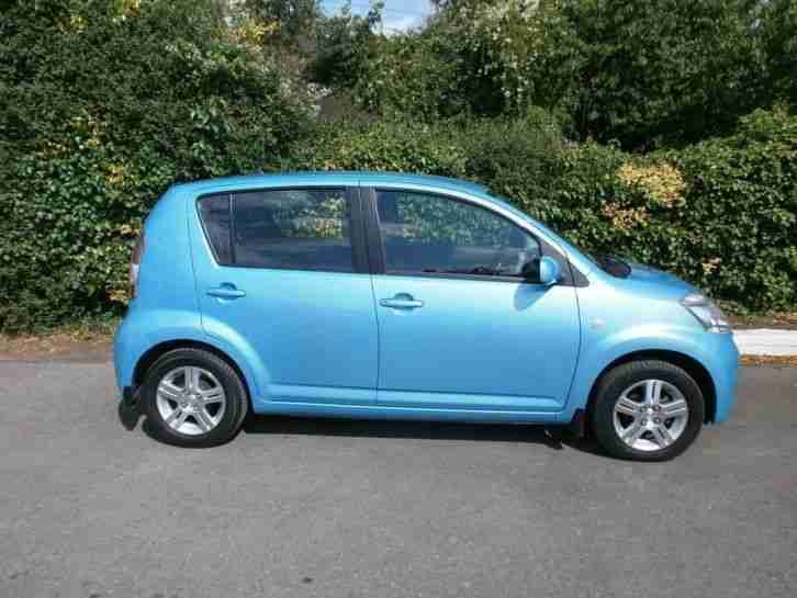 daihatsu sirion se 5dr 1 3 only 130 a year tax petrol manual 2006. Black Bedroom Furniture Sets. Home Design Ideas