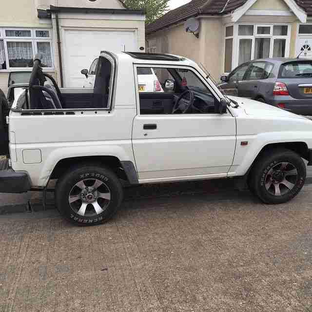 Daihatsu Sportrak 4x4 1 6 Petrol Manual Car For Sale border=