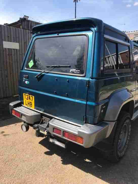 Diahatsu fourtrak T reg LEATHER/50mm lift/ light bars/ new mot