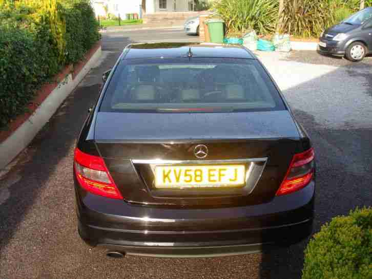 EXCELLENT MERCEDES BENZ C250 CDI BLUE EFFICENCY SPORT AMG