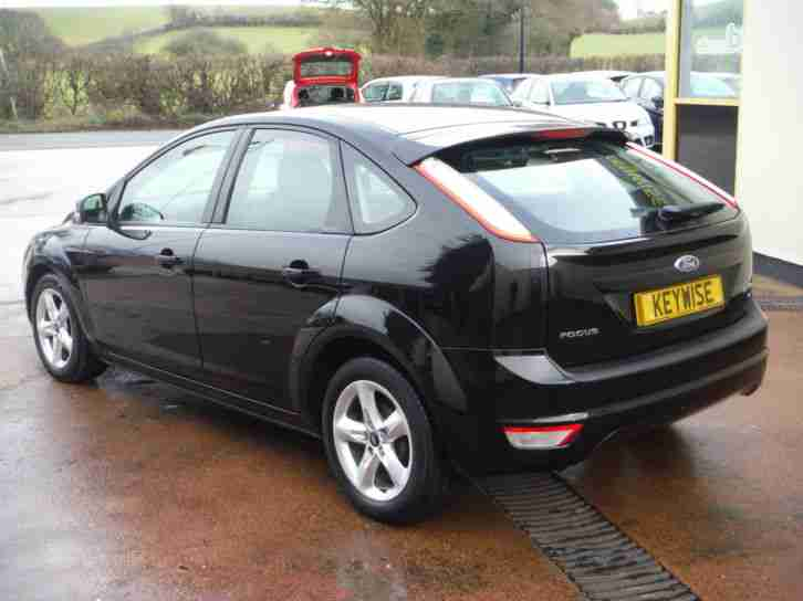 FORD FOCUS 1.6 ZETEC 5DR WITH ONLY 47,900 MILES FROM NEW