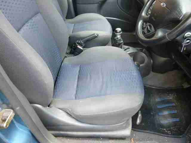 FORD FOCUS 1.8 ZETEC COLLECTION 16V 5 DOOR 2001 Petrol Manual in Blue