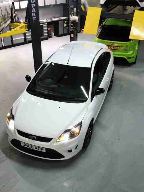 FORD FOCUS ST 225 2.5 TURBO WHITE, 12 MONTHS MOT, VERY CLEAN CAR