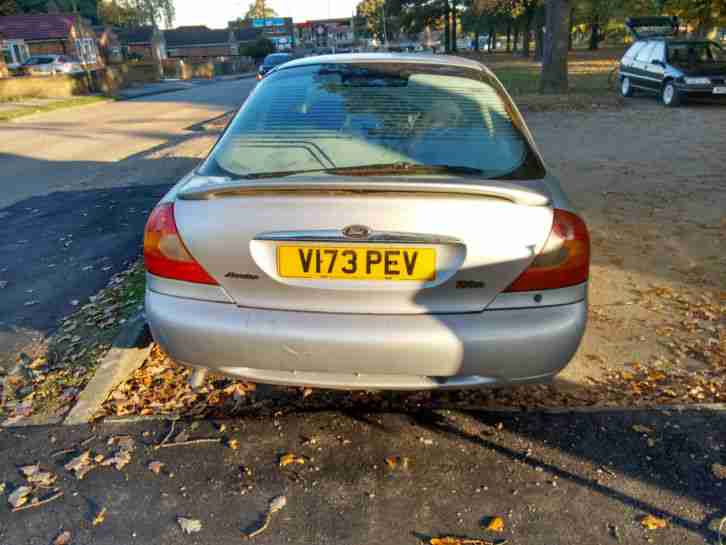 FORD MONDEO ZETEC SILVER, LOW MILEAGE & LOADS OF HISTORY