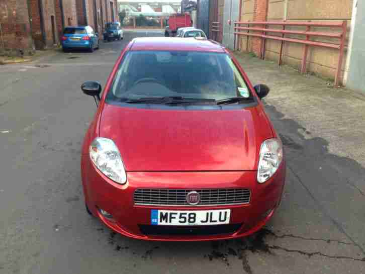 Grand Punto 1.2 in red