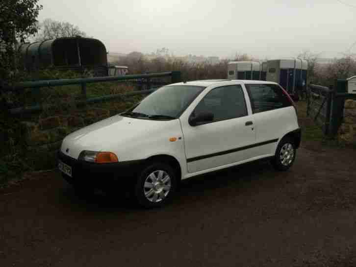 fiat punto 1 2 60 s reg 1998 one previous owner one years mot full. Black Bedroom Furniture Sets. Home Design Ideas