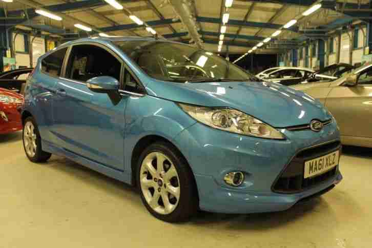 Ford Fiesta TITANIUM [LOW MILEAGE / PARKING SENSORS]