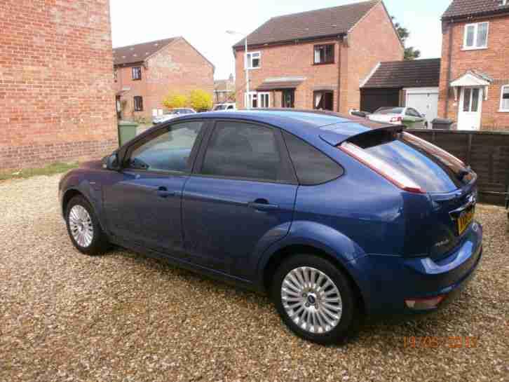 ford focus  titanium  blue mot october  car