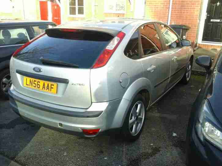 Ford focus AUTOMATIC 950000 spares or repairs needs mot bargain PX swap