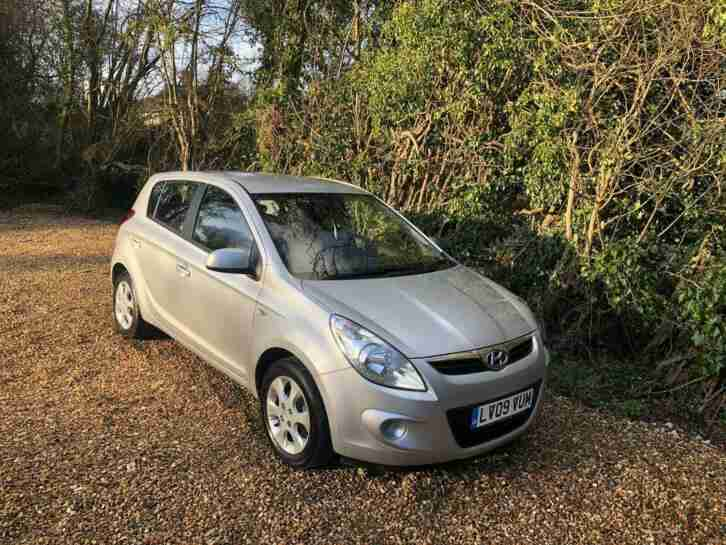 HYUNDAI I20 Comfort 1 OWNER ONLY 7000 MILES 2009 Petrol Manual in Silver