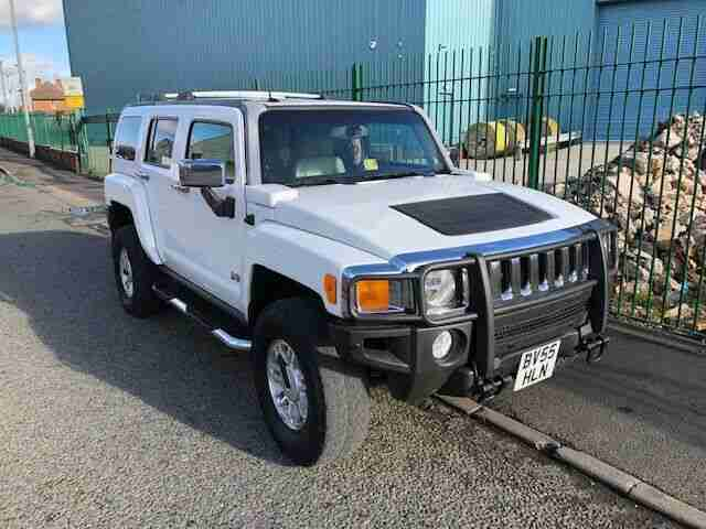 Hummer H3 3.5L. Hummer car from United Kingdom