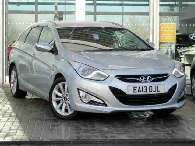 hyundai i40 diesel tourer 1 7 crdi 136 style 5dr diesel automatic. Black Bedroom Furniture Sets. Home Design Ideas