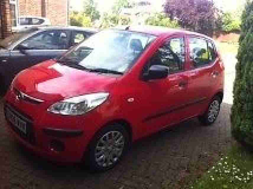 Hyundai i10 red 2008 74k cheap road tax £35