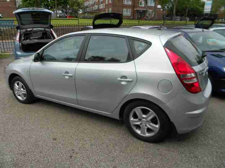 Volkswagen Of The Woodlands >> Hyundai i30 1.4 Comfort 5dr 09 reg 2009 Low MIleage ...