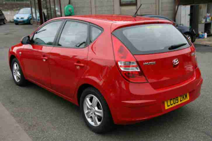 Hyundai i30 1.6CRDi ( Band B 119 ) Comfort RED, HISTORY,£30 TAX,AC,ALLOYS,2XKEY