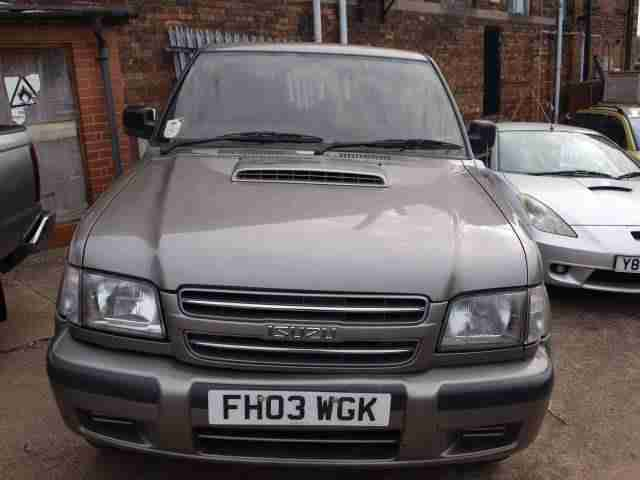 ISUZU TROOPER 3.1 DIESEL DUTY SWB 3 DR 4WD WITH FULL MOT