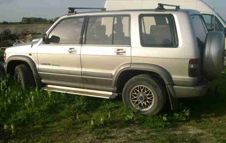 ISUZU TROOPER 7 seater 3 LITRE spares repairs citation