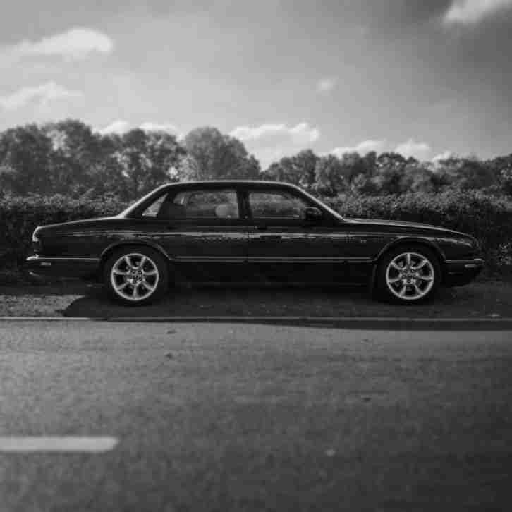 Jaguar XJR X308 Supercharged 370bhp