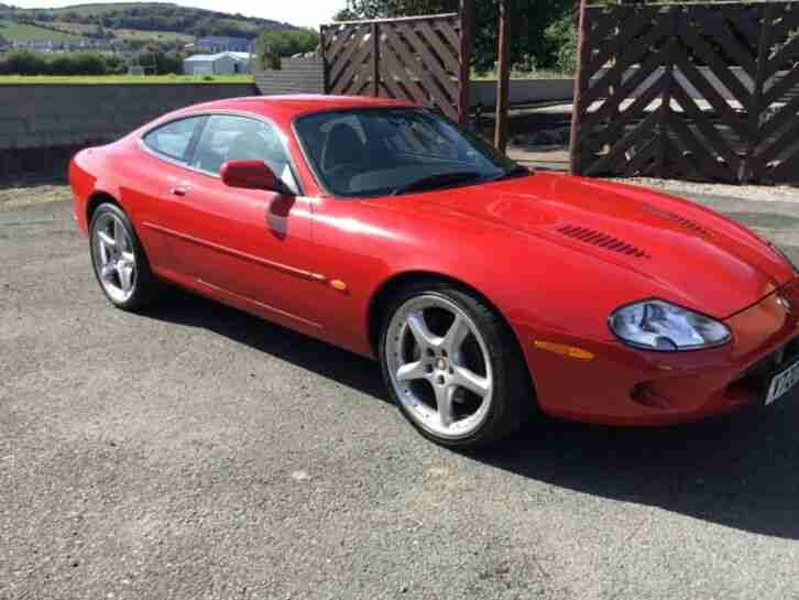 Jaguar XKR Supercharged 2000 V Reg MOT 2 keys