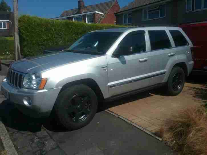 grand cherokee 5.7 hemi v8 mot august