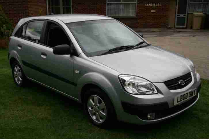 Kia Rio 1.4 2 AIR CON, CD, FOGS,HISTORY,ALLOYS EXCELLENT, LOW INS