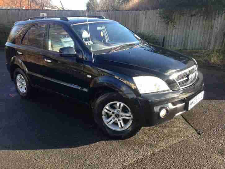 Kia Sorento 2.5 CRDI Automatic in black 2003 Breaking for Spares