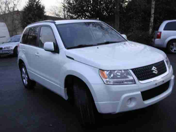 LEFT HAND DRIVE SUZUKI GRAND VITARA 5 DOOR 2.4 AUTOMATIC 4X4 2011 VERY VERY NICE