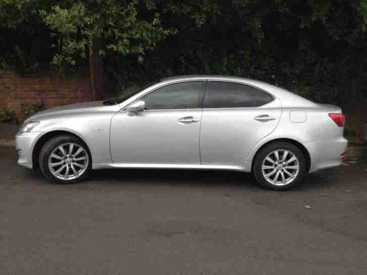 lexus is 220d se 2006 diesel manual in silver car for sale. Black Bedroom Furniture Sets. Home Design Ideas