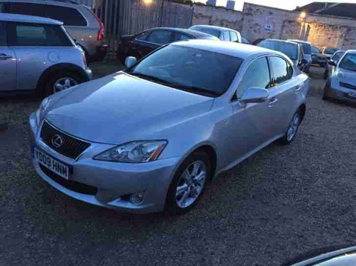 lexus is 220d se 2009 diesel manual in silver car for sale. Black Bedroom Furniture Sets. Home Design Ideas