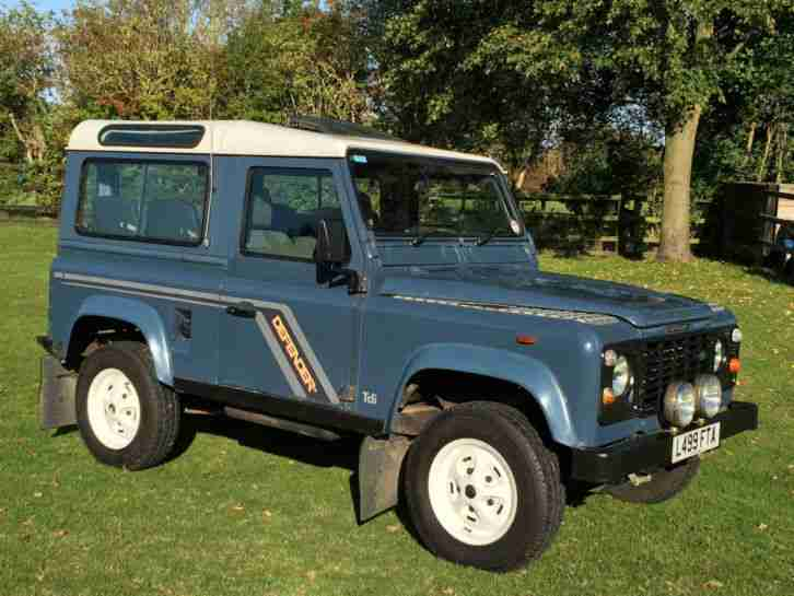 Land Rover Defender 90 200 Tdi County Station Wagon Car