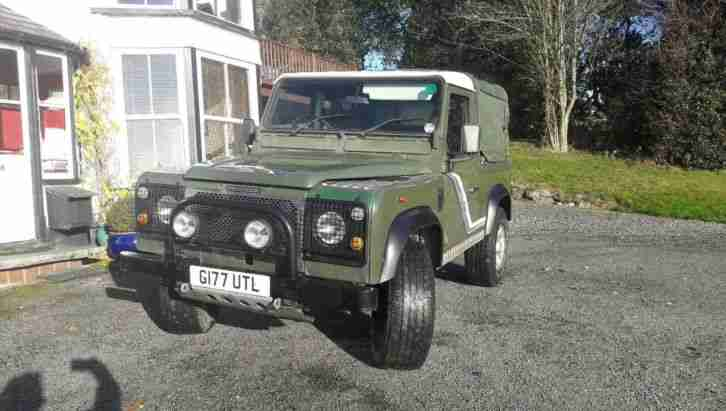 Land Rover Defender 90 300TDI Green/White | Canvas Back-Truck Cab | Alloy Wheels
