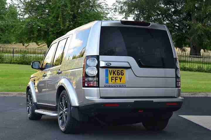 Land Rover Discovery 2016 Diesel SW 3.0 SDV6 Graphite 5dr Auto 4x4