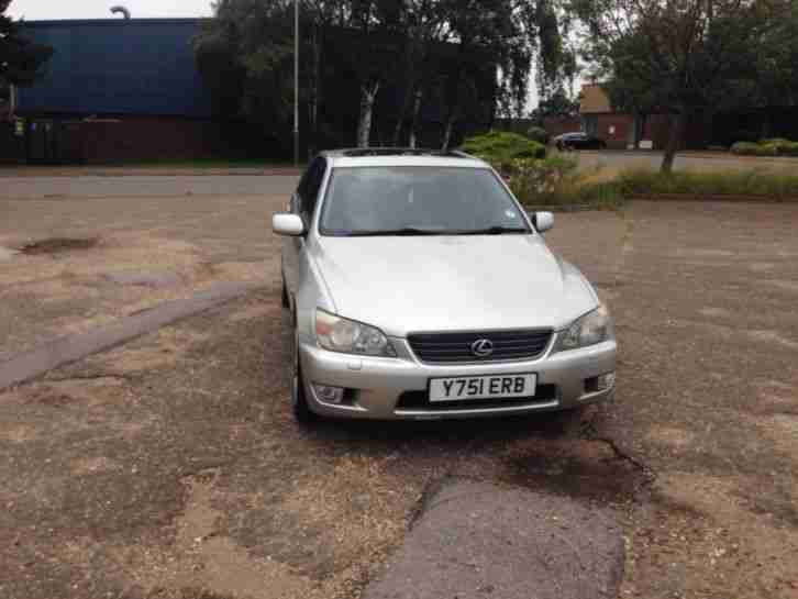 Lexus IS 200 2.0 SE long tax full mot