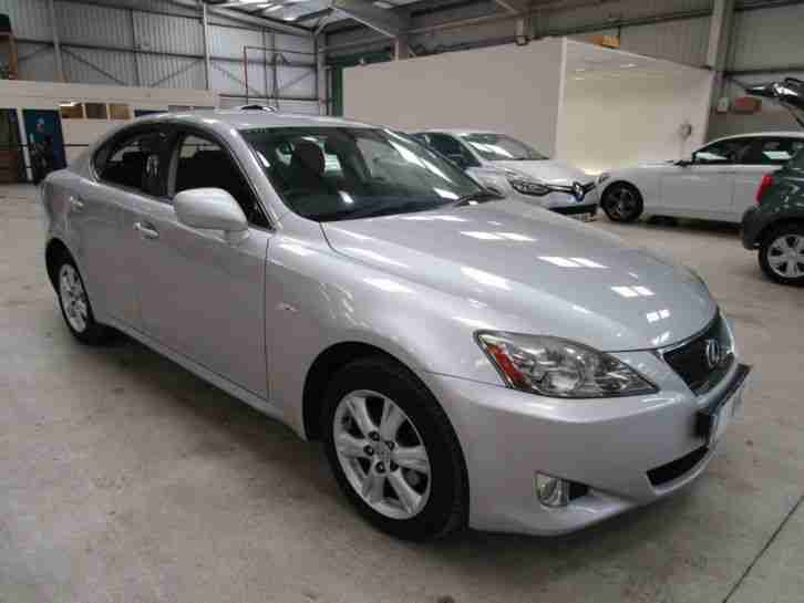 lexus is 220d 2 2td 6 months 5 star warranty car for sale. Black Bedroom Furniture Sets. Home Design Ideas