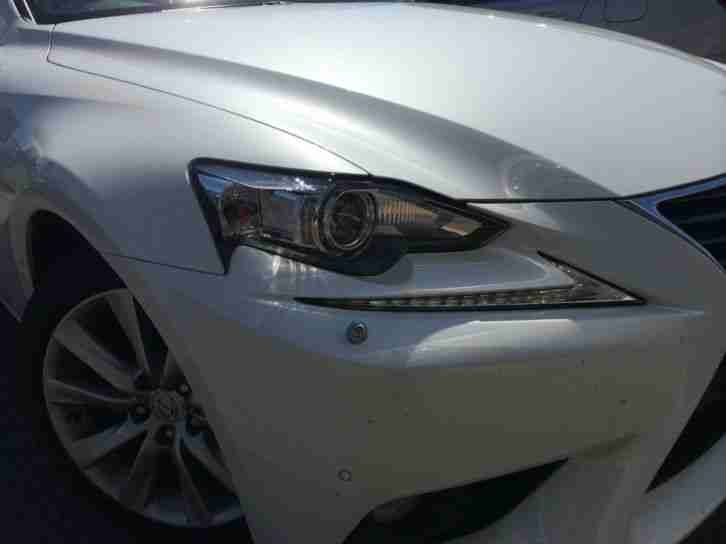 Lexus IS 300h Luxury 2.5 5DR