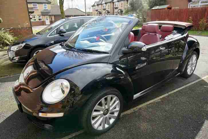 limited edition   vw beetle convertible solar black red