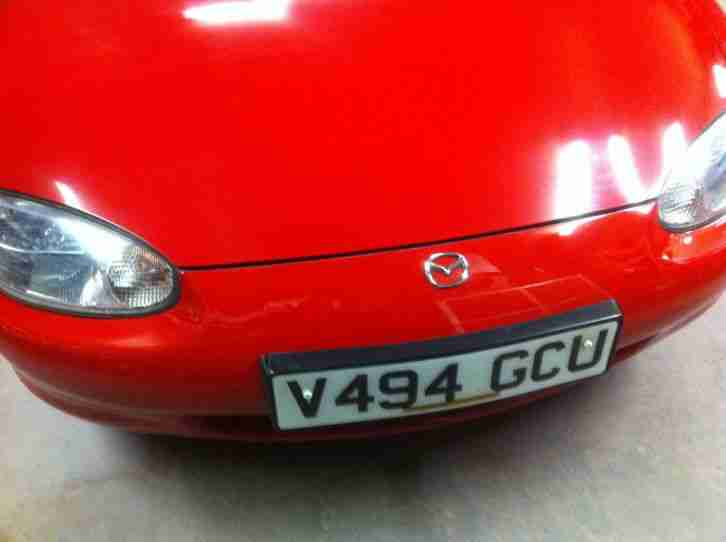 MAZDA MX-5 RED (Rust free)