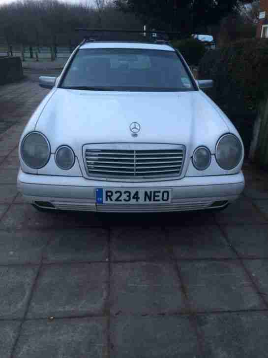 MERCEDES 300D BLACK LEATHER INTERIOR 7 SEATER SPARES ONLY ,