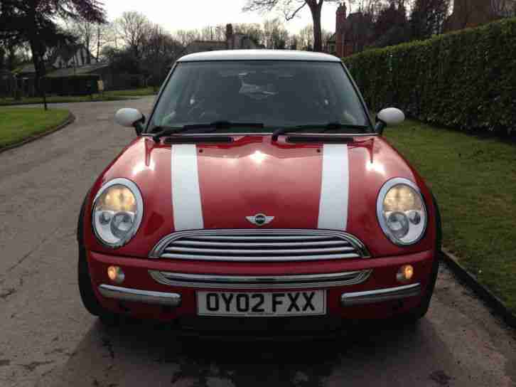 mini 1 6 cvt cooper heated seats red and black inside and out. Black Bedroom Furniture Sets. Home Design Ideas