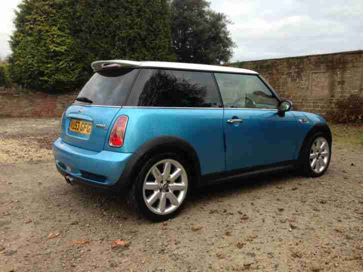 MINI COOPER S 1.6 (1598cc) IN METALLIC ELECTRIC BLUE HALF LEATHER INTERIOR